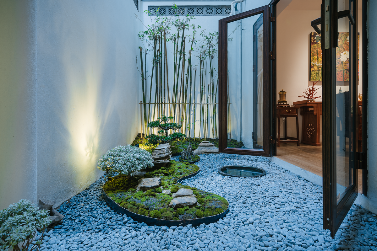 Vườn Nhật Bản trong nhà ống Hà Nội